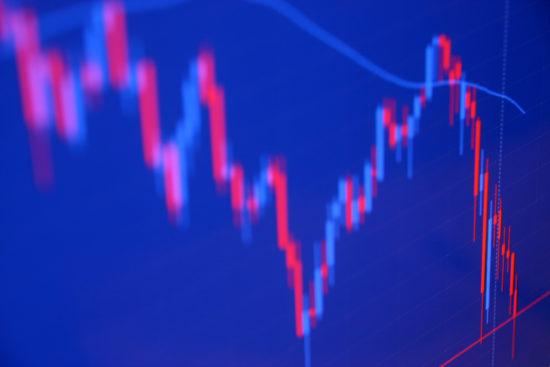 下落している株価チャート