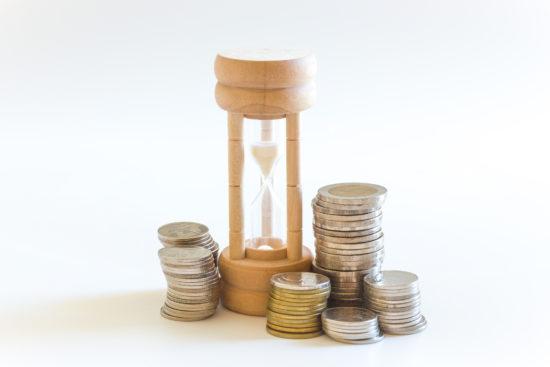 砂時計と硬貨
